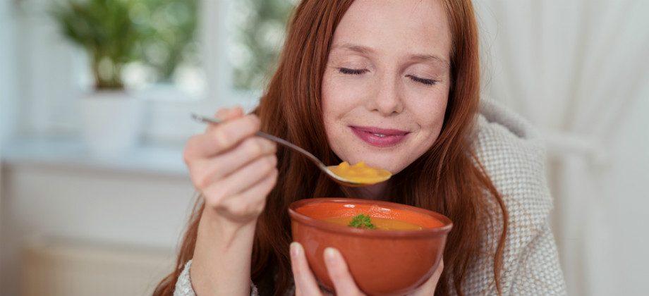 Imagem do post Comer sopas é uma boa ideia para emagrecer no inverno?