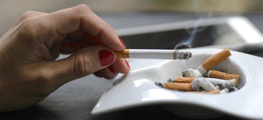 Imagem do post O hábito de fumar pode causar gases? Por quê?