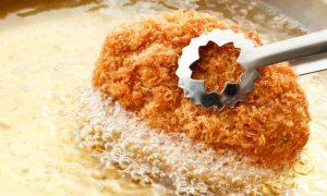 Por que o consumo de frituras é um fator de risco para a hipertensão?