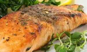 Dieta low carb: prós, contras e riscos dessa estratégia para emagrecer