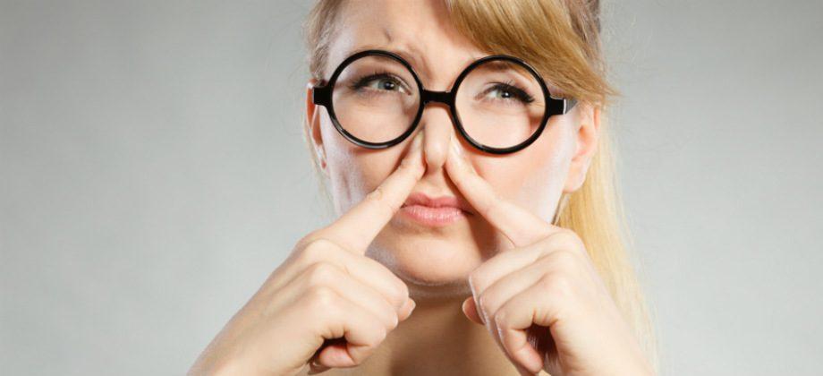 Imagem do post Nariz entupido: Inspirar o muco nas vias nasais pode trazer riscos?
