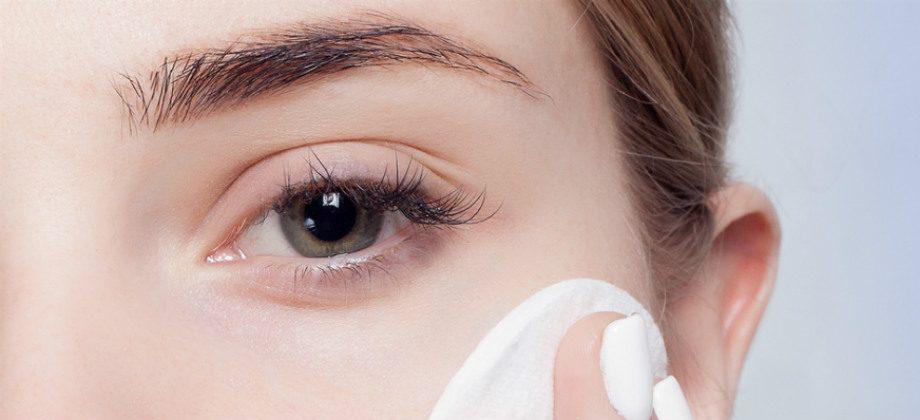 Imagem do post Quando devemos utilizar a água dermatológica para higiene da pele?