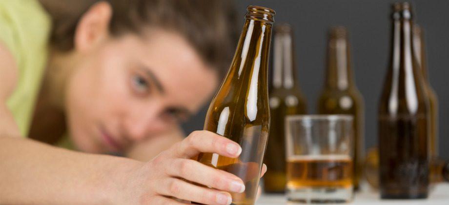 Imagem do post Depressão e cerveja: hábito de beber pode piorar o estado da doença?