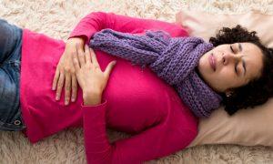 O que é cólica menstrual? Conversamos com um ginecologista!