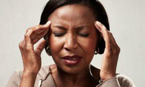 Dor de cabeça constante: o que fazer para lidar com o problema?