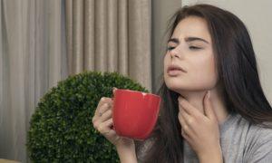 Quais alimentos não são indicados para quem está com a garganta inflamada?
