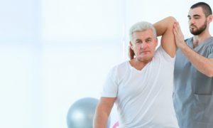 Fisioterapia preventiva ajuda a prevenir fraturas em idosos. Saiba mais!