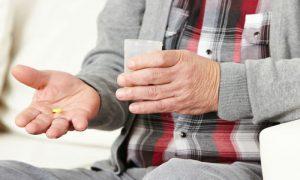 Como agem os medicamentos usados no tratamento do mal de Alzheimer?