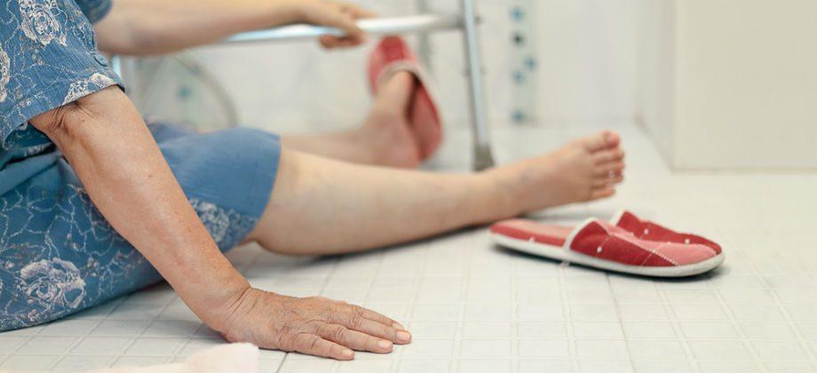 Imagem do post Osteoporose: como evitar quedas e fraturas do dia a dia em casa?