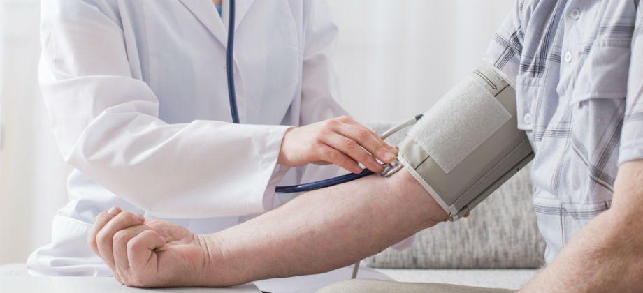 Imagem do post A partir de que idade começam a surgir os primeiros sinais da hipertensão descontrolada?