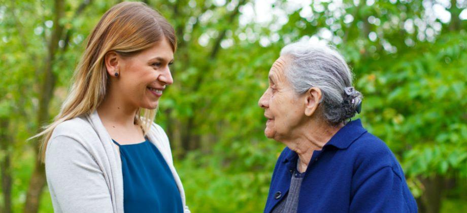 Imagem do post Cuidador iniciante: dicas te ajudam no convívio com pacientes com Alzheimer