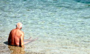 Administrador carioca diminui crises do herpes-zóster e retorna para praia