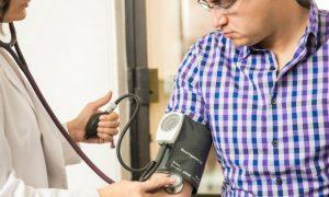 Como medir a pressão arterial em casa?