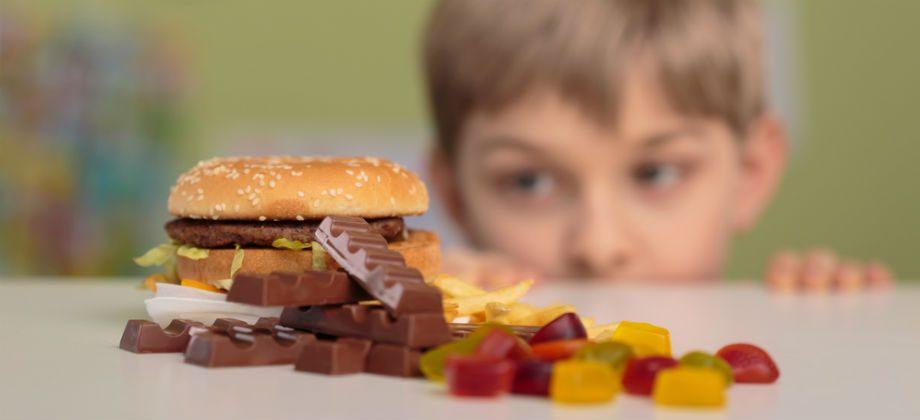 Imagem do post Como saber se uma criança está se alimentando mal?