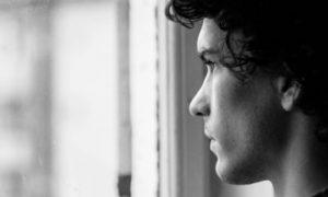 Depressão: qual é a melhor maneira de lidar com morte na família?