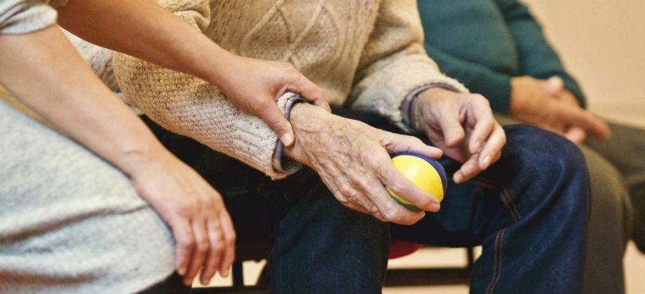 Imagem do post Quadro avançado de Alzheimer: como se preparar para eventuais momentos difíceis com a progressão da doença?
