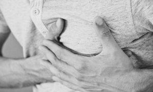 Sinais de infarto: Listamos alguns sintomas que você deve ficar ligado, para entrar em contato com seu médico imediatamente