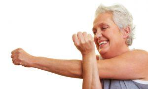Conheça exercícios simples que podem ajudar a aliviar a dor nas articulações