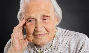 O Mal de Alzheimer acomete mais as mulheres? Por que há essa impressão?
