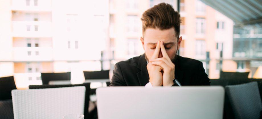 Imagem do post Depressão no trabalho: qual é a melhor maneira de lidar com um funcionário?