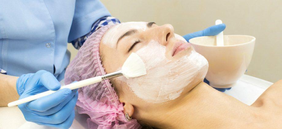 Imagem do post Limpeza de pele: saiba mais sobre procedimento para manter uma pele jovem