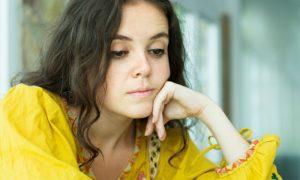 Quais doenças podem causar baixa absorção de vitamina E?
