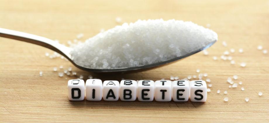 É possível ter crises de hiperglicemia ou hipoglicemia mesmo com o diabetes controlado?
