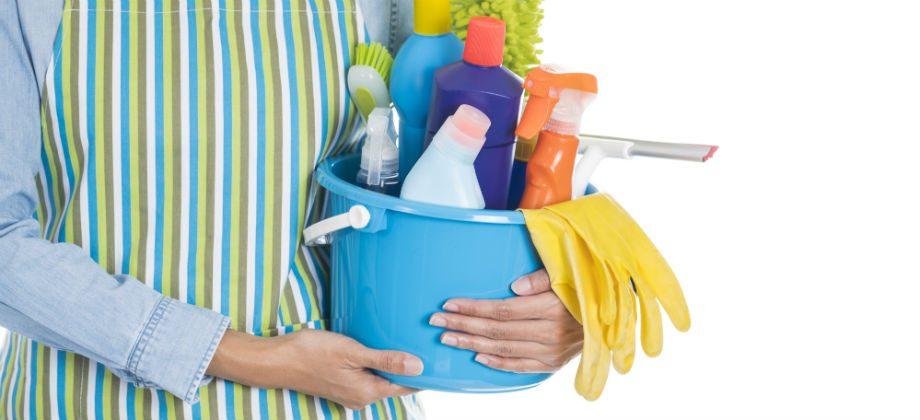Imagem do post Você trabalha com umidade ou produtos químicos? Separamos algumas dicas que podem ajudar a proteger suas unhas