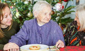 Alzheimer e Natal: como fazer uma reunião em família prazerosa para um paciente?