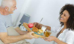 A falta de vitaminas é um fator de risco no desenvolvimento do mal de Alzheimer?