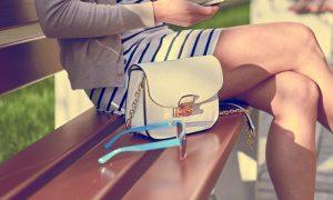 Sentar de maneira errada pode causar varizes? Qual é a postura correta?