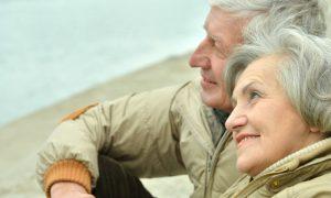 Férias e osteoartrite: quais são os cuidados básicos para uma viagem?