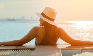Existe alguma forma segura de pegar sol no verão tendo a pele sensível?