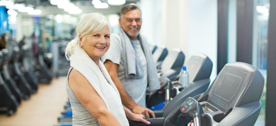 Imagem do post Reforçando a musculatura: confira alguns exercícios que você pode fazer para complementar o tratamento da osteoporose