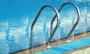 O cloro das piscinas é capaz de eliminar os fungos responsáveis pela micose?