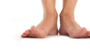 A síndrome das unhas frágeis também pode se manifestar nos pés?