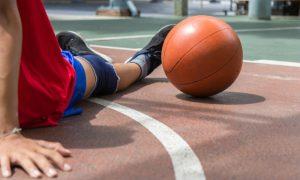 Praticar esportes sem orientação médica pode causar osteoartrite?