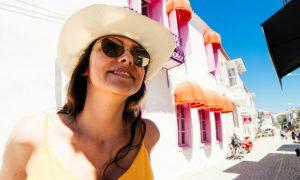 Verão: caminhadas ao sol podem ajudar no tratamento da osteoporose?