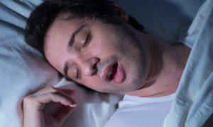 Roncar durante a noite tem alguma consequência na qualidade do sono?