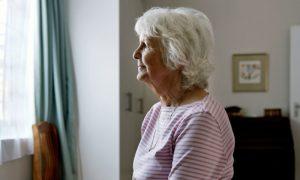 Vida de aposentada melhora com tratamento para depressão e transtorno bipolar
