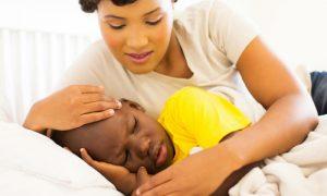 Infecções que causam diarreia em crianças são mais frequentemente contraídas pela água ou por alimentos contaminados?