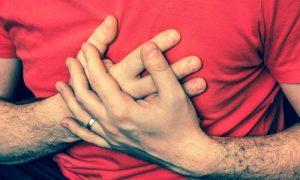 O aumento do risco de um segundo infarto é permanente ou diminui com o tempo?