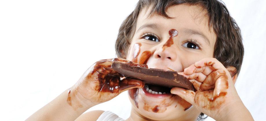 Por que é recomendada uma alimentação leve após um quadro de diarreia?