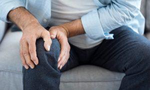 Quem tem artrite sente mais dor no frio?