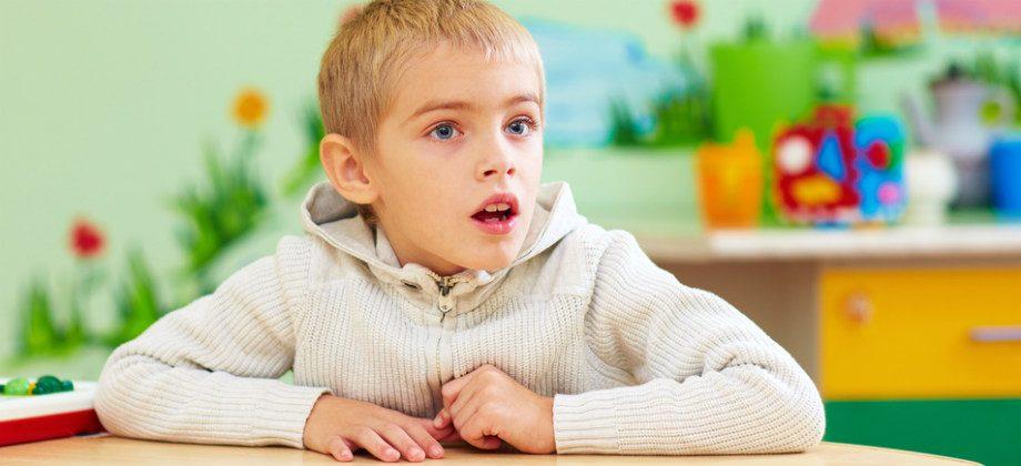 Imagem do post O que são os comportamentos repetitivos associados ao autismo?