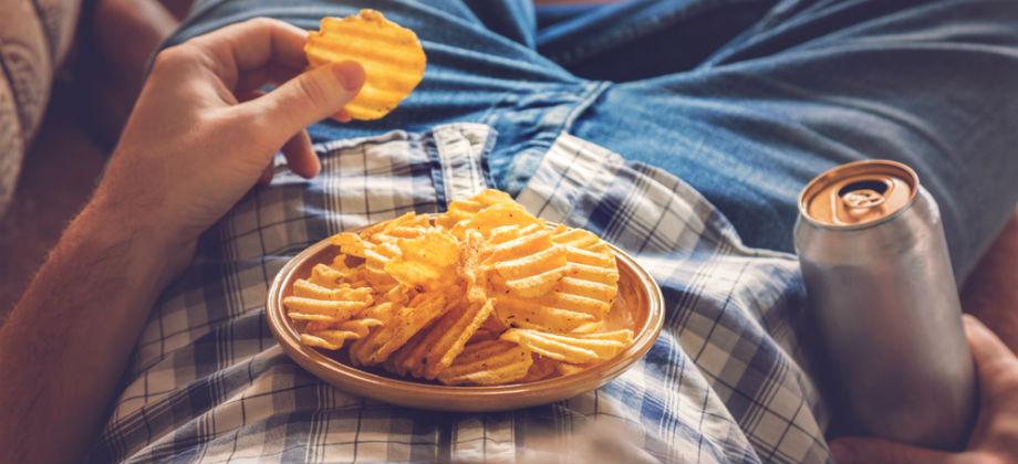 Insônia: quais alimentos podem prejudicar a qualidade do sono?