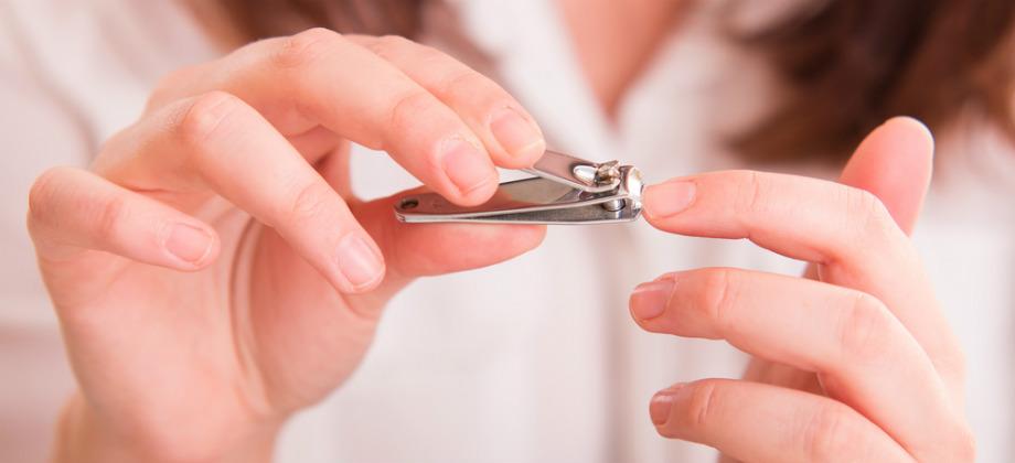Unhas frágeis: como fazer para cortar as unhas da forma correta?