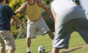 Por que a atividade física irregular pode aumentar o risco de lesões?