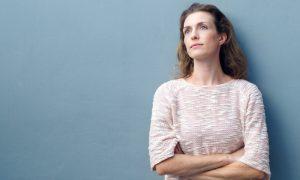 Mulheres magras têm maiores chances de desenvolver osteoporose? Por quê?