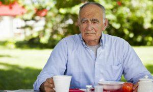 Por que idosos costumam apresentar níveis menores de vitamina D?